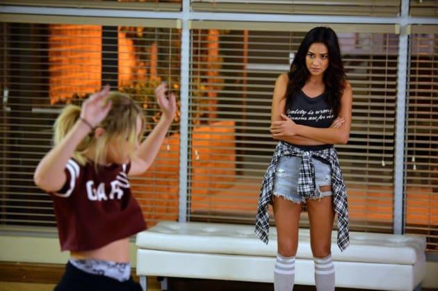 Twerking - Pretty Little Liars Season 5 Episode 20