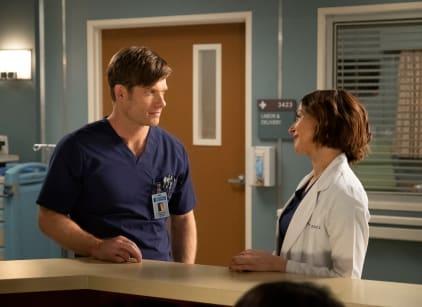 Watch Grey's Anatomy Season 15 Episode 25 Online