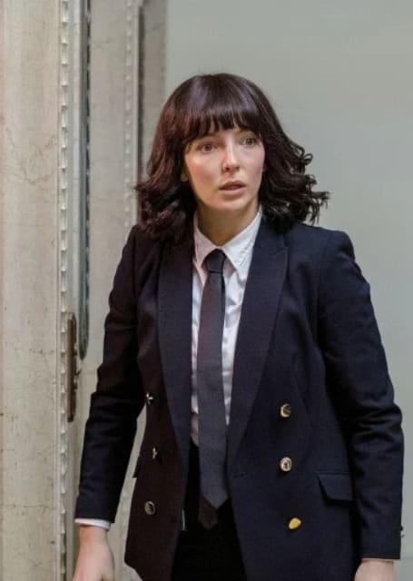 Elevator Please - Killing Eve Season 2 Episode 3