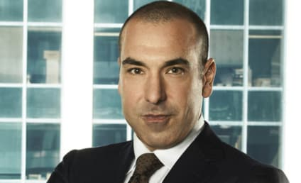 Losing Towels and Going Topless with Suits Star Rick Hoffman