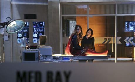 Kara Hurt? - Supergirl Season 1 Episode 20