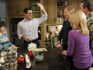 Modern Family Review: Flattery - TV Fanatic