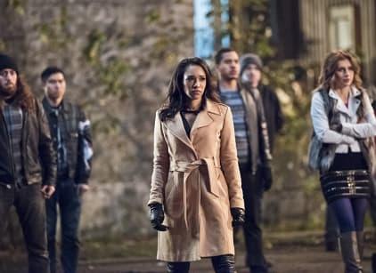 Watch The Flash Season 2 Episode 12 Online