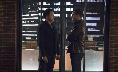 The Circle of Trust - Arrow Season 3 Episode 23