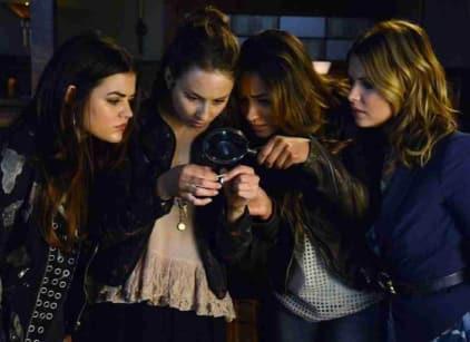 Watch Pretty Little Liars Season 4 Episode 17 Online