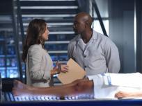 Rosewood Season 2 Episode 1