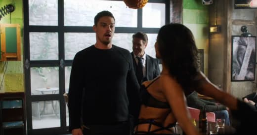 Vincent's Bachelor Party - Beauty and the Beast Season 3 Episode 6