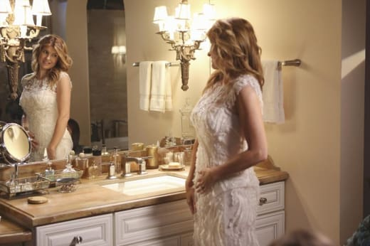 Rayna in Her Dress - Nashville Season 3 Episode 10