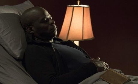Dembe rests - The Blacklist Season 4 Episode 18