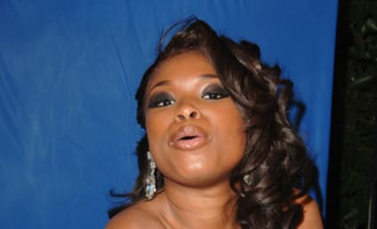 American Idol Picture of the Day: A Kiss from Jennifer Hudson