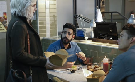 Bros Lunching - iZombie Season 2 Episode 12
