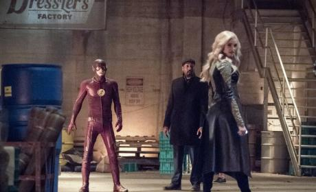 Is More Trouble Arriving? - The Flash Season 3 Episode 20