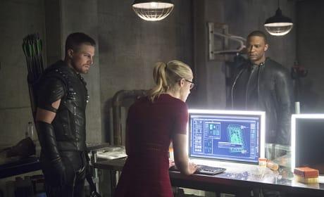 Friction - Arrow Season 4 Episode 3