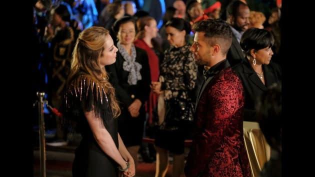 Fallon Competes with Sammy - Dynasty Season 1 Episode 8
