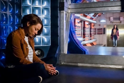 Nora In A Cage - The Flash Season 5 Episode 18