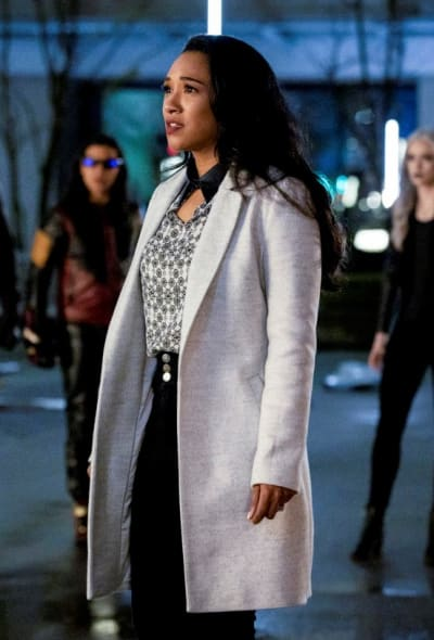 Iris Stunned But Beautiful - The Flash Season 5 Episode 22