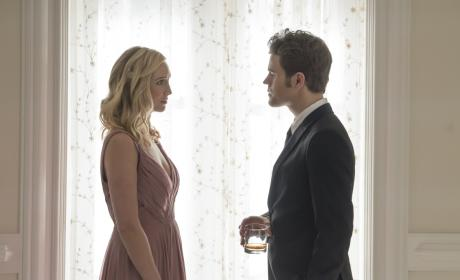 A Stolen Moment - The Vampire Diaries Season 8 Episode 9