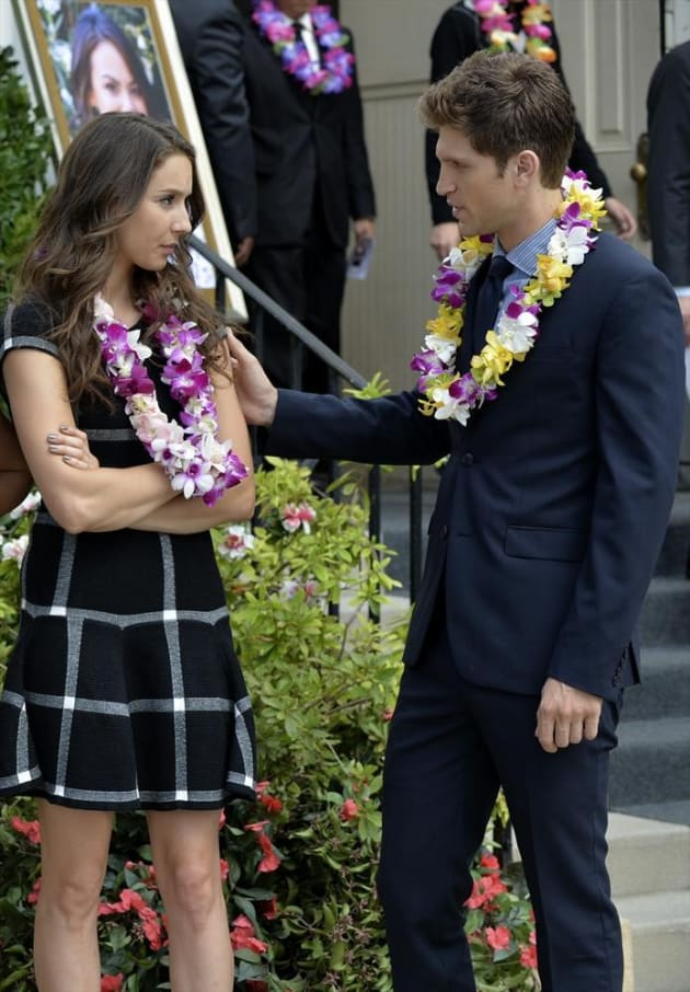 Comforting Spencer - Pretty Little Liars Season 5 Episode 14