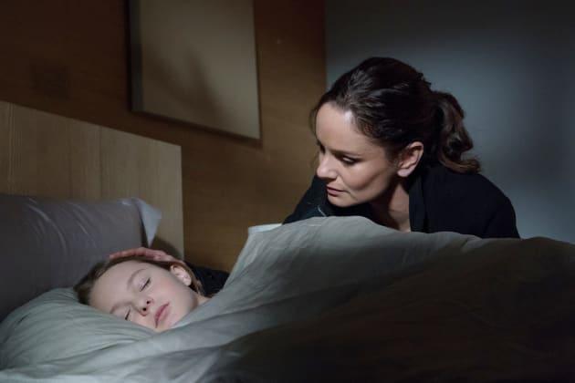 Katie Checks on Gracie - Colony Season 3 Episode 12
