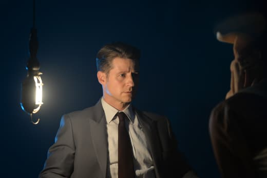 Jim in Trouble? - Gotham Season 4 Episode 6