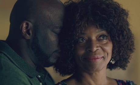 Sharing an Embrace - Queen Sugar Season 3 Episode 13