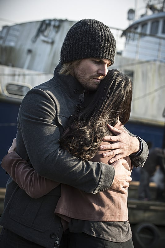 Hugs - Arrow Season 3 Episode 23