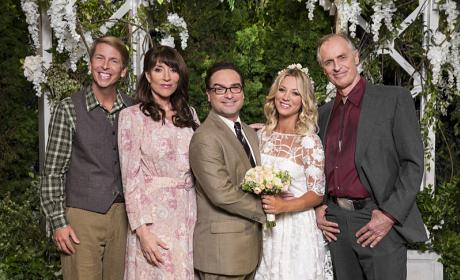 Family Photo! - The Big Bang Theory Season 10 Episode 1