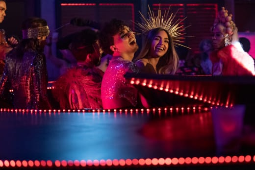 Dancing with Friends on Vida Season 2
