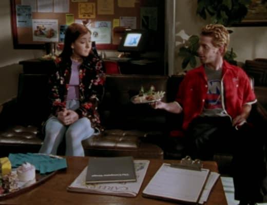 Canape - Buffy the Vampire Slayer Season 2 Episode 9