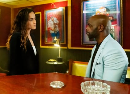 Watch Queen of the South Season 4 Episode 2 Online