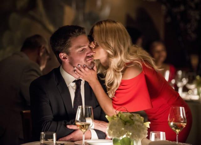 A Good Luck Kiss - Arrow Season 6 Episode 4
