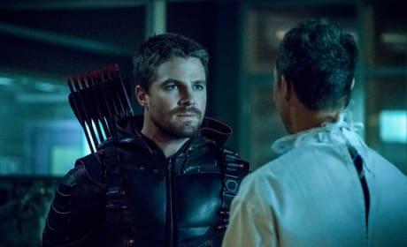 Do Not Disobey Those Eyes - The Flash Season 4 Episode 8