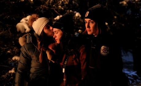 Wynonna In the Woods - Wynonna Earp Season 3 Episode 3