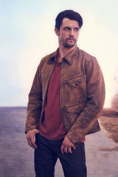 Nathan Parsons as Max - Roswell, New Mexico