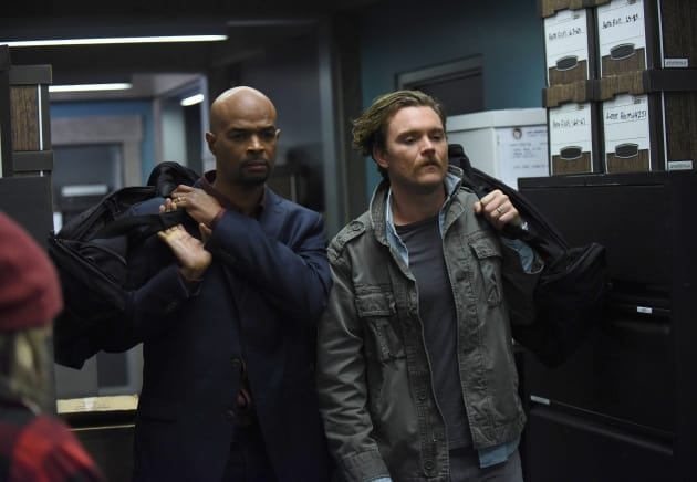 Vacation? - Lethal Weapon Season 1 Episode 12