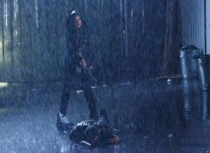 Watch The Nine Lives of Chloe King Season 1 Episode 3 Online