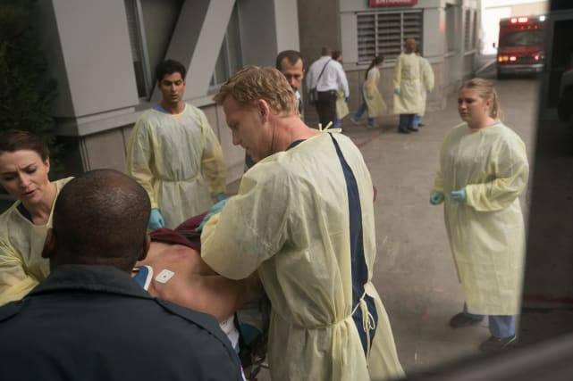 Owen in Action - Grey's Anatomy Season 14 Episode 7