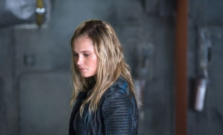 Clarke – The 100 Season 4 Episode 3