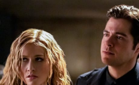 Brother and Sister (Tall)  - Arrow Season 7 Episode 15