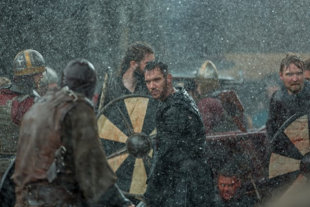 Bishop in Battle - Vikings Season 5 Episode 3