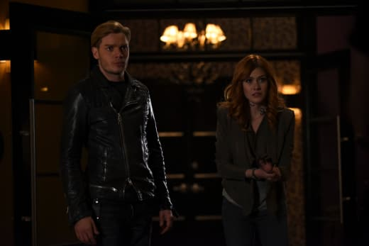I Need Your Help! - Shadowhunters Season 2 Episode 9