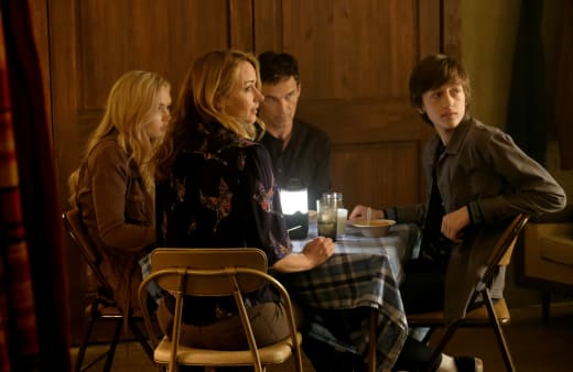 Strucker Family Dinner - The Gifted Season 1 Episode 7