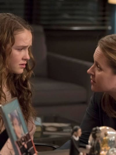 A Tense Conversation - Law & Order: SVU Season 20 Episode 13