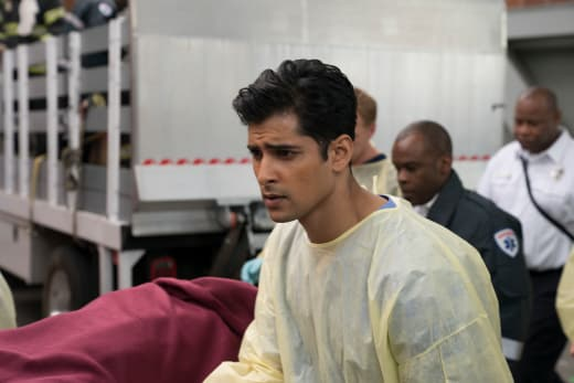 Shiny New Intern - Grey's Anatomy Season 14 Episode 7