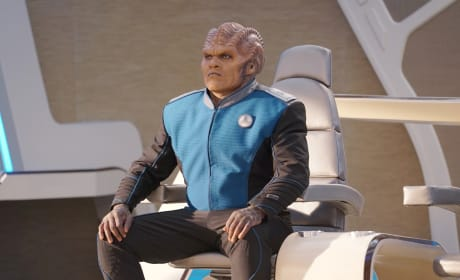 Bortus in Command - The Orville Season 2 Episode 8