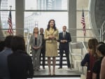 The President Arrives - Supergirl Season 2 Episode 3
