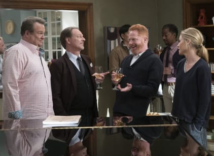 Watch Modern Family Season 9 Episode 14 Online