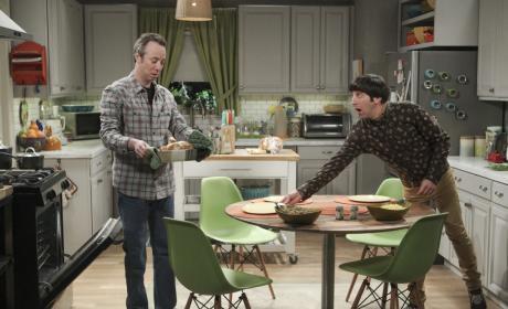 Stuart Helps Out - The Big Bang Theory Season 10 Episode 21