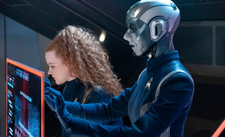 Tilly and Airiam - Star Trek: Discovery Season 2 Episode 9
