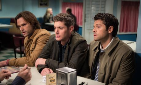 Everybody squeeze in - Supernatural Season 12 Episode 10